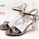 รองเท้าแฟชั่น ส้นสูง รัดส้น หนังเงาสวยหรู ดีไซน์ส้นใสแต่งอะไหล่ตารางเคลือบเงาเพิ่มความหรูไม่เหมือนใคร หนังนิ่ม ส้นสูงประมาณ 3 นิ้ว ใส่สบาย แมทสวยได้ทุกชุด