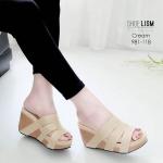 รองเท้าแฟชั่น ส้นเตารีด แบบสวม 3 แถบเก็บหน้าเท้า สวยเรียบเก๋ พื้นนิ่ม หนังนิ่ม ทรงสวย สูงประมาณ 3 นิ้ว ใส่สบาย แมทสวยได้ทุกชุด (981-118)
