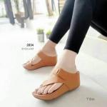 รองเท้าแฟชั่น ส้นเตารีด แบบสวมนิ้วโป้ง คาดหน้าเฉียงสวยเก๋ หนังนิ่ม พื้นบุนิ่ม ส้นเตารีด สูงประมาณ 2.5 นิ้ว เสริมหน้า ใส่สบาย แมทสวยได้ทุกชุด (2834)