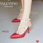 รองเท้าคัทชู ส้นสูง งานหรู ที่มีเอกลักษณ์เฉพาะ Valentino Garavani Style แบรนด์สุดโปรดของบรรดาเซเลบบริตี้ และสาวมีสไตล์ทั่วโลก คู่นี้ใส่่ให้แมทกับชุดทำงานหรือออกงานปาร์ตี้ตอนเย็นได้สบาย Black/Apricot Red/Apricot Pink/Apricot36 (FT125)