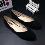รองเท้าคัชชู ส้นแบน flat สไตล์คาวาอิสุดๆ วัสดุทำจากผ้าสักหลาด งานสวยเป๊ะ ตามแบบฉบับ Mui Mui ทรงสวยสวมใส่สบาย ใส่ได้ทุกวัน แมชได้ทุกสไตล์