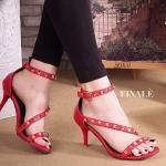 รองเท้าแฟชั่น แบบสวม ส้นสูง รัดข้อ คาดหน้าเฉียงแต่งหมุดทองสวยหรู ทรงสวย ส้นสูงประมาณ 3 นิ้ว ใส่สบาย แมทสวยได้ทุกชุด