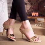 รองเท้าแฟชั่น ส้นสูง แบบสวมสวยหรู แต่งคาดอะไหล่ทองด้านหน้า ส้นเคลือบทองดูดี สูง ประมาณ 3 นิ้ว แมทสวยได้ทุกชุด