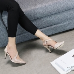 รองเท้าคัทชู ส้นสุง หนังกลิสเตอร์วิ้ง แต่งสายคาดเฉียงสวยหรู ทรงสวย หนังนิ่ม ส้นสูงประมาณ 3 นิ้ว ใส่สบาย แมทสวยได้ทุกชุด (G5267)
