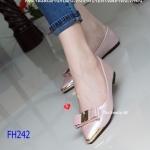 รองเท้าคัทชู ส้นแบน Crystal Bow Flat เรียบหรูหนังเงามุก ทรงหัวแหลม สวยเพรียว ประดับโบว์แต่งเม็ดคริสตัลเหลี่ยมทรงรีสวยหรู แมทสวยได้ทุก ชุด สีดำ ชมพู (FH242)