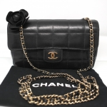 (SOLDOUT)CHANEL chocolate bar camellia black lamb skin
