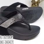 รองเท้าแตะแฟชั่น เพื่อสุขภาพ แบบหนีบ หนังสักหราดแต่งเพชรสีไล่โทนสวยหรู พื้นซอฟ คอมฟอตนิ่มสไตล์ฟิตฟลอบ ใส่สบาย แมทสวยได้ทุกชุด (N7669-647)