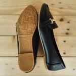 รองเท้าคัทชู ส้นแบน ทรง loafer หัวแหลมเรียบเก๋ หนัง PU นิ่มอย่างดี แต่งอะไหล่ทอง ด้านหน้าสวยดูดี ทรงสวย พื้นยางกันลื่น ใส่สบาย แมทสวยได้ทุกชุด