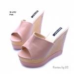 รองเท้าแฟชั่น สไตล์สวมฮิตสุดในเกาหลี คาดหน้าแบบเรียบหรูด้วยหนังพียูอย่างดี กระชับเท้ามาก ส้นไม้เทียมน้ำหนักเบาใส่สบาย สูง 5 นิ้ว เสริมหน้า 2 นิ้ว ใส่แล้วดู เพรียวสุดๆ งานสวยมาก ใส่สบาย สีดำ ตาล ชมพู