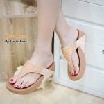 รองเท้าแตะเพื่อสุขภาพ แบบหนีบ แต่งคลิสตัลลายสานสวยหรู พื้นซอฟคอมฟอตนุ่ม สไตล์ฟิตฟลอบ ใส่สบายมาก แมทสวยได้ทุกวัน (Pf2119)
