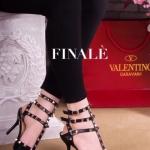 รองเท้าแฟชั่น คัชชูสไตล์ Valentino ส้นสูง แต่งหมุดสุดเก๋ สายรัดข้อ 3 เส้น เปรี้ยวเท่ห์ทุกชุด