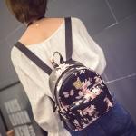 กระเป๋าเป้ผู้หญิงขนาดเล็ก Locally