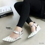 """รองเท้าคัทชู ส้นเตารีด ทรงสวม สวยเก๋ ลายสไตล์ LV ทรงตัดรูปวีดูเท้าเรียว รัดข้อเมจิกเทปใส่ง่าย แมทสวยได้ทุกชุด สูง 3"""" สีดำ น้ำตาล แทน ครีม"""