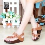 รองเท้าแตะแฟชั่น เพื่อสุขภาพ แบบสวมนิ้วโป้ง คาดเฉียงแต่งดอกไม้สวยเก๋ พื้นคอมฟอต นิ่มสไตล์ฟิตฟลอบ ใส่สบาย แมทสวยได้ทุกชุด (L2285A)