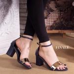 รองเท้าแฟชั่น ส้นสูง รัดข้อ สวยหรู แบบสวม แต่งด้านหน้าอะไหล่ทอง ทรง hot hit โชว์เท้า สายรัดตะขอเกี่ยวใส่ง่าย ส้นสูงประมาณ 2.5 นิ้ว แมทกับชุด ไหนก็สวยได้ทุกชุด