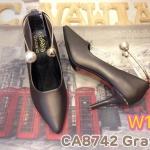 รองเท้าคัทชู ส้นสูง สวยหรู แต่งห่วงทองประดับมุกที่ข้อ สไตล์ดิออร์ หนังนิ่มอย่างดี ใส่ สบาย ส้นสูงประมาณ 3 นิ้ว แมทสวยได้ทุกชุด (CA8742)