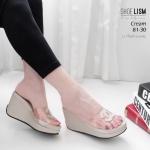 รองเท้าแฟชั่น ส้นเตารีด แบบสวม คาดหน้าพลาสติกใสนิ่ม แต่ง CC สวยเรียบหรู สไตล์ชาแนล หนังนิ่ม พื้นนิ่ม งานสวย ส้นสูง 2 นิ้ว ใส่สบาย แมทสวยได้ทุกชุด (81-30)
