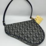 (ขายแล้วค่ะ)กระเป๋า Christian Dior ทรงอานม้า ลายซิกเนเจอร์ รุ่นวินเทจ
