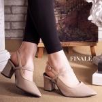 รองเท้าคัทชู ส้นสูง รัดส้น สวยเรียบเก๋ ตัดสีขอบ หนังอย่างดี ทรงสวย ส้นตัดสูงประมาณ 2.5 นิ้ว ใส่ง่าย ใส่สบาย แมทสวยได้ทุกชุด