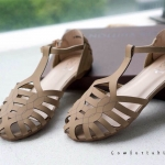 รองเท้าแตะแฟชั่น แบบสวม รัดส้น ดีไซน์เส้นหนังสานด้านหน้าสวยเก๋ดูดี หนังนิ่ม พื้นนิ่ม ใส่สบาย แมทสวยได้ทุกชุด (F60030)