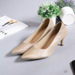 รองเท้าคัทชู ส้นเตี้ย หนังซาเฟียโนเรียบหรู ทรงสวยดูเท้าเรียว ส้นสูงประมาณ 1.5 นิ้ว ใส่สบาย แมทสวยได้ทุกชุด (G18-05)