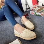 รองเท้าคัทชู ส้นแบน ทรง slip on ลูกไม้โครเชถักนิ่มลายสวย สุดฮอตฮิต ส้นขนมปัง น้ำหนักเบาหนา 0.5 นิ้ว ส้นยางแบบหยักกันลื่น ดีไซน์ใหม่ ใส่ สวยก่อนใคร แมทได้ทุกชุด สีดำ ครีม (188-145)