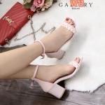 รองเท้าแฟชั่น ส้นสูง สวยเก๋ แบบสวม รัดข้อ ด้านหน้าแต่งหนังถักเปียเก๋ดูดี ทรงสวย คลาสสิค ส้นตัดสูงประมาณ 2.5 นิ้ว เดินง่าย แมทเก๋ได้ทุกชุด (G12-47)