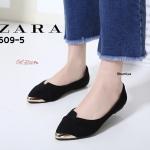 รองเท้าคัทชู ส้นเตี้ย สวยเก๋ วัสดุผ้าแคนวาส ประดับอะไหล่สีทอง ทรงสวยอยู่ทรง งานดี แมทเข้ากับชุดไหนก็ดูดี สูง 1 cm. สีดำ เทา แดง (609-5)