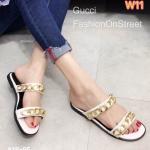 รองเท้าแตะแฟชั่น แบบสวม แต่งโซ่ทองสวยเก๋สไตล์แบรนด์ ใส่สบาย แมทสวยได้ทุกชุด (818-95)