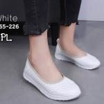 รองเท้าคัทชู ส้นแบน สไตล์เพื่อสุขภาพ หนังนิ่มฉลุลาย เก็บขอบอย่างดี พื้นบุนวมนิ่มซัปพอร์ทเท้า ทรงสวย ใส่สบาย แมทสวยได้ทุกชุด (A265-226)