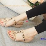 รองเท้าแฟชั่น ส้นเตารีด Plush Mini Wedged Soft Sandals สวยสไตล์ Casual แบบสวมสวยหรู วัสดุเป็นหนังสักหลาดที่อ่อนนุ่มเป็นพิเศษหุ้มทั้งตัว งานตกแต่ง อะไหล่ร้อยโบว์สีสวย ออกแบบให้ดูหวานลงตัว พื้นเสริมยางกันลื่นช่วยในการทรง ตัว สวยและถนอมสุขภาพไปทุกย่างก้าว สว