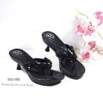 รองเท้าแฟชั่น แบบคีบ สวยหรู พื้นบุนวมนุ่ม ส้นรองเท้าเก๋ สายคีบแต่งอะไหล่คลิสตัลหรู งานสวยใส่สบาย สูง 2 นิ้ว สีดำ เทา (B22-052)