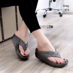 รองเท้าแตะแฟชั่น แบบหนีบ แต่งคลิสตัลเพชรสวยหรู พื้นซอฟคอมฟอตนิ่มสไตล์ฟิตฟลอบ ใส่สบายมาก แมทสวยได้ทุกชุด (TE414)