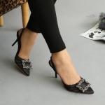 รองเท้าคัทชู ส้นสูง รัดส้น สวยหรู ผ้าซาตินเย็บริ้วด้านหน้าแต่งอะไหล่หรูสไตล์แบรนด์ ทรงสวยเพรียว ส้นสูงประมาณ 3 นิ้ว ใส่สบาย แมทสวยได้ทุกชุด (G-16340)