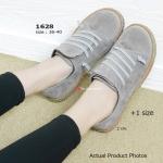 รองเท้าผ้าใบ สุดชิค วัสดุจากหนังสักกะหราดสีสดแต่งเชือกคาดตัดเฉียงเก่ๆ ส้นยางกันลื่นหนา 2 cm. สวมใส่ง่ายกระชับเท้า ดีไซน์สวยแปลกตา เล่นสีสัน เล็กน้อย แมทง่ายกับทุกชุด เป็นอีกหนึ่งรองเท้าสุดเก๋ ที่สามารถจะเติมเต็มลุค ของคุณให้หลากหลาย สีดำ น้ำตาล เทา แดง (1