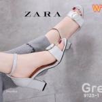รองเท้าแฟชั่น ส้นสูง รัดข้อ แบบสวม หนังนิ่มแต่งอะไหล่ด้านหน้าเรียบเก๋มีสไตล์ ส้นตัด สูงประมาณ 3 นิ้ว ใส่สบาย แมทเก๋ได้ทุกชุด (9123-1)