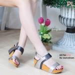 รองเท้าแฟชั่น ส้นเตารีด แบบสวม รัดส้น แต่งสีทูโทนสวยเก๋ ใส่สบาย แมทสวยได้ทุกชุด (M1756)