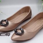 รองเท้าคัทชู ส้นแบน แต่งคลิสตัลเพชรด้านหน้าสวยหรู หนังนิ่ม พื้้นนิ่ม ทรงสวย ใส่สบาย แมทสวยได้ทุกชุด
