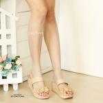 รองเท้าแฟชั่น ส้นเตารีด แบบสวม แต่งดอกไม้ด้านหน้าสวยน่ารัก พื้นนิ่ม ใส่ สบาย แมทสวยได้ทุกชุด (L2658)