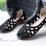 รองเท้าคัทชู ส้นแบน สวยเก๋ หนังฉลุลายสานไร้รอยต่อ ทรงสวยเก็บหน้าเท้า ใส่สบาย แมทสวยได้ทุกชุด (F-60028)
