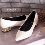 รองเท้าคัทชู ส้นเตี้ย MIU MIU Style หนังอย่างดี สุดเก๋ส้นเพชร ทรงสวย คลาสซี่ สวมใส่สบายเท้า ส้นสูงกำลังดี ใส่สวย ดูเท้าเรียวเล็ก แมทเก๋ได้ทุก ชุด สีดำ ครีม สูง 1.5 นิ้ว (FH-375)