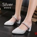 รองเท้าคัทชู เปิดส้น แต่งคลิสตัลลายสวยหรู ใส่ได้ 2 แบบ แบบเปิดส้นและแบบรัดส้น หนังนิ่ม ทรงสวย ส้นสูงประมาณ 2.5 นิ้ว ใส่สบาย แมทสวยได้ทุกชุด (B7010-8)