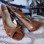 รองเท้าคัทชู ส้นแบน สวยเก๋ เปิดหน้าสายไขว้ สีอิ่มสวย แมทเก๋ได้ทุกชุด ใส่สบายๆ สูง 1 CM (C02-042A)