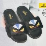 รองเท้าแตะแฟชั่น แบบสวมขนเฟอร์นุ่มๆ สไตล์เฟนดิ สีซุปเปอร์แบล้คขนเฟอร์เงานุ่มปัก ลายโลโก้เฟนดิสวยงาม เท่ๆ มีสไตล์ สูง 1 นิ้ว ปั้มแบรนดที่ตัวรองเท้า (SKY4488)