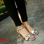 รองเท้าแฟชั่น ส้นสูง รัดส้น แบบสวม หนังเงาเมทัลลิคแต่งอะไหล่ GG สวยเก๋สไตล์แบรนด์ ส้นสูงประมาณ 3 นิ้ว ใส่สบาย แมทสวยได้ทุกชุด