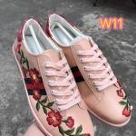 รองเท้าผ้าใบแฟชั่น ปักลายดอกไม้สไตล์กุชชี่ ฮอตฮิตที่สุดในตอนนี้ วัสดุอย่างดี ใส่สบาย แมทสวยได้ทุกชุด