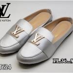 รองเท้าคัทชู เปิดส้น แต่งอะไหล่ LV สไตล์หลุยส์สวยเรียบหรู หนังนิ่ม ทรงสวย ใส่สบาย แมทสวยได้ทุกชุด (FT624)