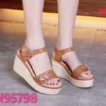 รองเท้าแฟชั่น ส้นเตารีด แบบสวม รัดส้น แต่งเข็มขัดสวยเก๋ ส้นแต่งลายเชือกถัก หนังนิ่ม ทรงสวย สูงประมาณ 4 นิ้ว เสริมหน้า ใส่สบาย แมทสวยได้ทุกชุด (N95798)
