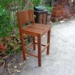เก้าอี้บาร์สูงไม้ระแนง