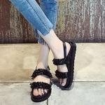 รองเท้าแตะแฟชั่น รัดส้น แต่งอะไหล่คลิสตัลสวยเก๋เย็บแบบจัดเต็ม พื้นนุ่มมาก สายตะขอใส่ง่ายปรับระดับได้ ใส่สบายๆ มี 2 สีเงิน ดำ